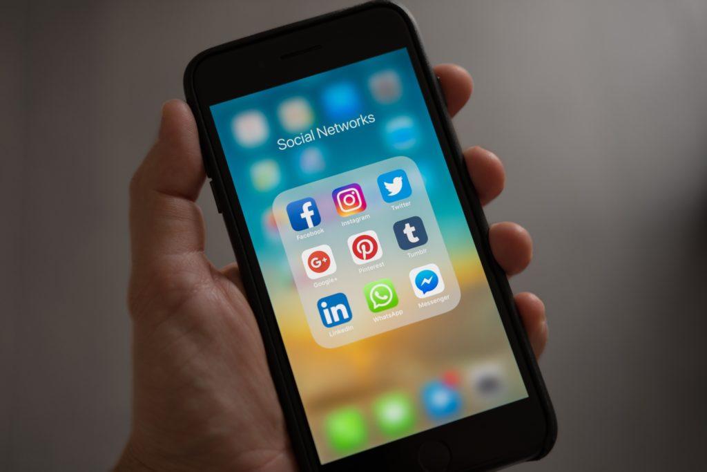 Trovare lavoro oggi: prova con i social